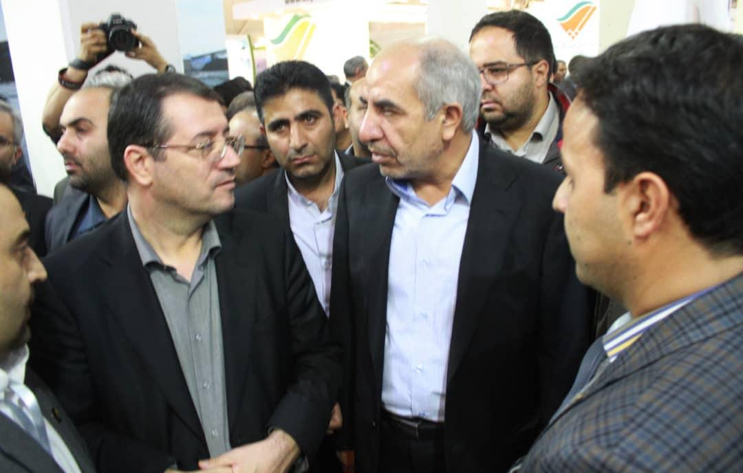 بازدید وزارت صنعت و معدن از غرفه جهاد نصر کرمان